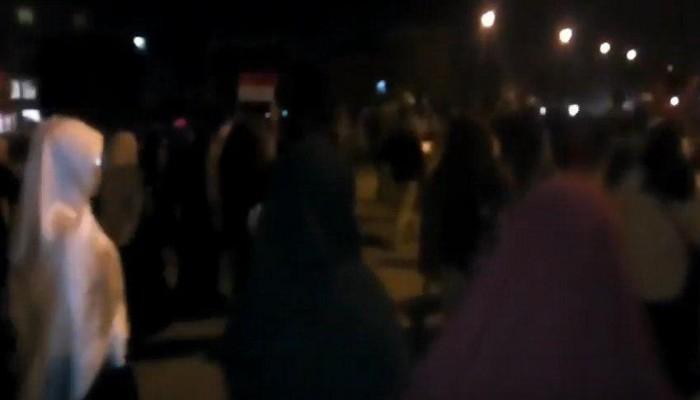 فيديو.. مسيرة بالعاشر من رمضان تهتف بسقوط عصابة العسكر