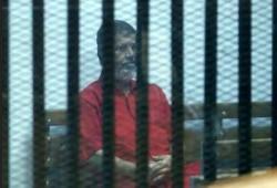 """الرئيس مرسي يطعن على حكم سجنه 40 عاما في هزلية """"التخابر مع قطر"""""""