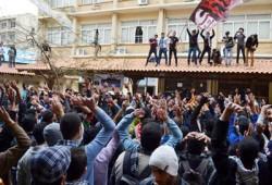 مظاهرة لطلاب المجمع الطبي بالإسكندرية تهتف بالحرية للمعتقلين