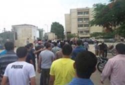 طلاب الزقازيق يتصدون لشبيحة الانقلاب ويحررون أحد زملائهم