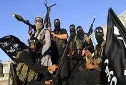 الإندبندنت: فلول القذافي يقاتلون تحت راية داعش