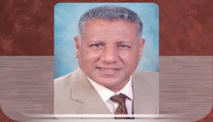 د. حلمي  القاعود يكتب: مذيع البيادة وإنجازات الجنرال!