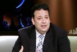 تعليق حاتم عزام على صورة احتفال السفاح بميلاد بن زايد