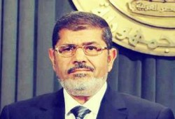 """الرئيس مرسي يحيي الشعب ويؤكد: """"لازم يعرف الحقيقة"""""""