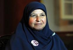 """رسالة زوجة د. البلتاجي إلى أسر شهداء مجزرة """"الدفاع الجوي"""""""