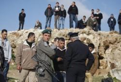 الاحتلال الصهيوني يعتقل طفلاً قرب الحرم الإبراهيمي