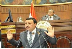 النائب الفقي: عمرو أديب أذل وأقل من أن يهدد الثوار