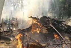 الهندوس يشعلون النار في 20 كوخًا للمسلمين شرق الهند