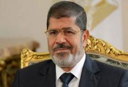 الرئيس مرسي يوجه التحية لطلاب مصر الأحرار