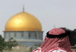 مفتي الديار الفلسطينية يستنكر منع دخوله إلى المسجد الأقصى