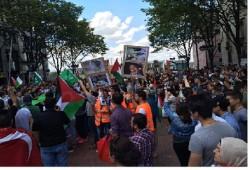 """مظاهرة أمام سفارة العدو بألمانيا تهتف: """"لبيك يا غزة"""""""