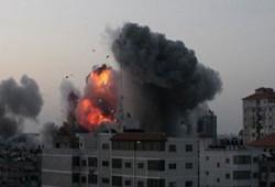 إصابة 29 فلسطينيًّا في غارات جوية على غزة