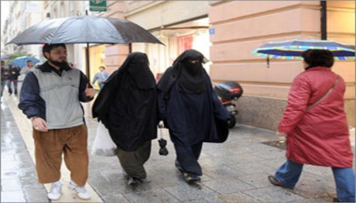 """""""تأييد  حظر النقاب بفرنسا.. وصاحبة الدعوى: الحكم ضد الحرية"""