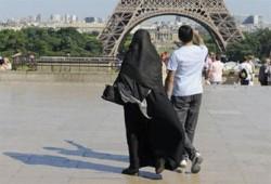 """""""الأوروبية لحقوق الإنسان"""" تستعد للبت بشكوى حظر النقاب في فرنسا"""