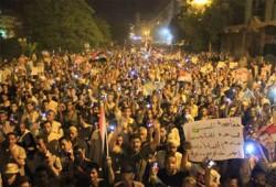 """ثوار سوهاج ينددون باعتقال الحرة """"هيام علي"""" بمسيرة ليلية"""
