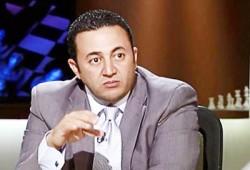 عمرو عبد الهادي: السفاح وصل لمرحلة عجز بوتفليقة مبكرًا