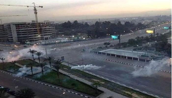 أمن الانقلاب يُفرِّق جمهور الزمالك بالرصاص الحي والغاز
