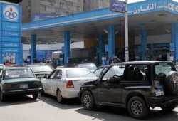 """أزمة الوقود.. ثورة """"البنزين"""" تحرق الانقلاب"""