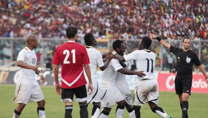 فضيحة.. قادة الانقلاب يسعون لرشوة المنتخب الغاني لهزيمته في مباراة الإياب