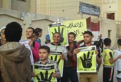 طلاب المدارس.. صداع في رأس الانقلاب