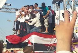 """""""رياضيون ضد الانقلاب"""" يقيمون مباراة لكرة القدم أمام منصة رابعة"""