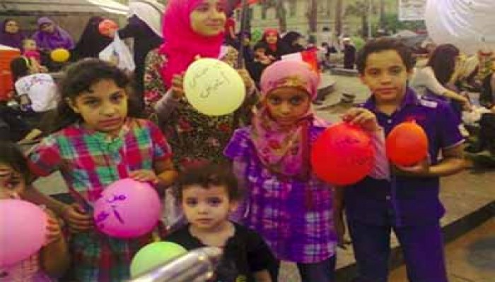 """""""من حقي أعيش"""".. مهرجان للأطفال باعتصام ميدان """"النهضة"""""""