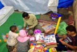 """ثوار """"رابعة العدوية"""" يقيمون خيمة للأنشطة الترفيهية للأطفال"""