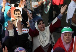 خبراء: الانقلاب العسكري سيفشل ولا بديل عن الشرعية