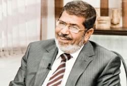 """الرئيس مرسي يقدم لكتاب """"العالم الإسلامي وتحديات القرن"""" لإحسان أوغلو"""