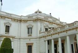 خبراء يحذرون من عرقلة بناء البرلمان