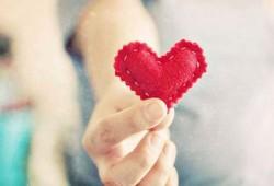 دراسة: العمل التطوعي يساعد في تجنب أمراض القلب