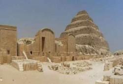 """""""هرم سقارة المدرج"""" أقدم مقبرة ملكية في تاريخ البشرية"""