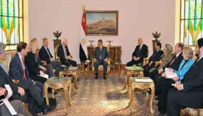 الرئيس مرسي يستقبل وفد مجلس الشيوخ الأمريكي