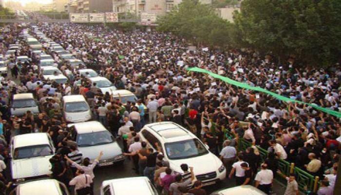 اهتمام إعلامي عالمي بالحشود المليونية لتأييد الرئيس مرسي