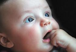الرضاعة الطبيعية.. مشاكل وحلول