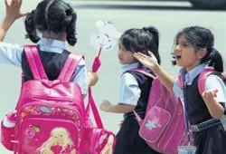 دراسة طبية: شنط المدرسة الثقيلة خطر على سلامة ظهر الطفل