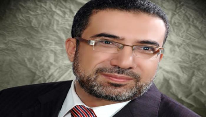 """العشري: تأخر قانون العزل يعني حماية """"العسكري"""" للفلول"""
