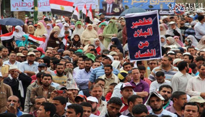 مسيرة مصطفى محمود تهتف: الثورة راجعة من جديد