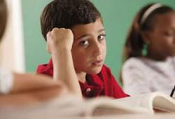 تعليم الطفل فن (البوح).. خطة عملية لحماية ابنك