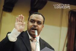 عباس عبد العزيز: لن نسمح بتمويل ينقص من كرامتنا