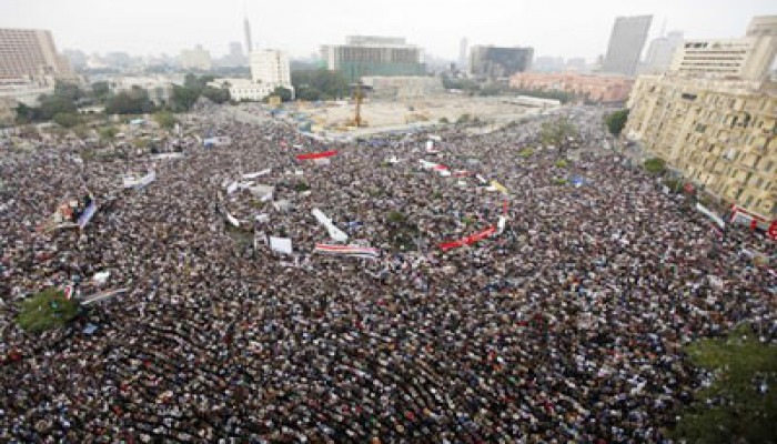 """مليون متظاهر في """"التحرير"""" يعلنون رفضهم لوثيقة السلمي"""