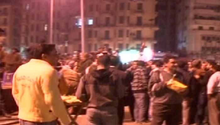 الآلاف يتوافدون على التحرير وأجواء الثورة تعود
