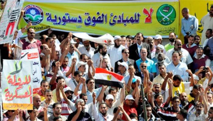 """التفاف ثوري حول المشاركة في جمعة """"حماية الديمقراطية"""""""