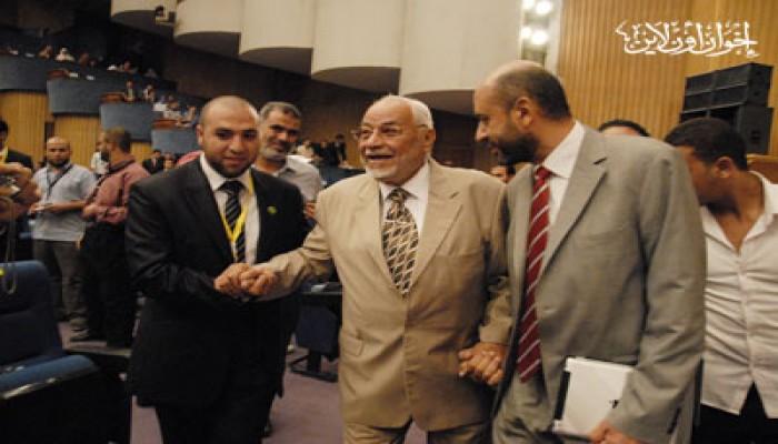 """أيمن عبد الغني: مؤتمر الطلاب نجح رغم """"المعوقات"""""""
