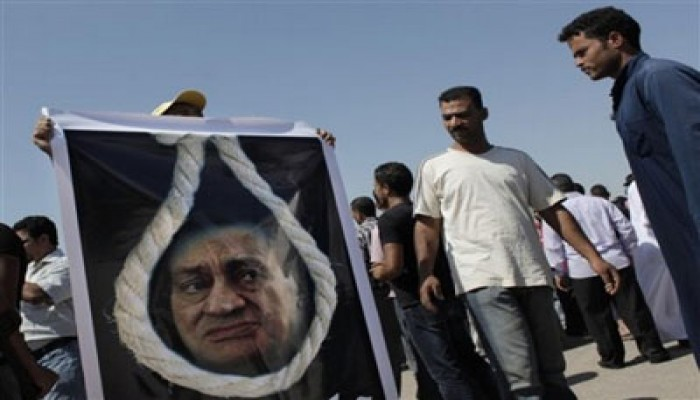 """النيابة تشكر الشاهد الثامن.. و""""مبارك"""": لا تعليق.. و""""العادلي"""" ينفي"""