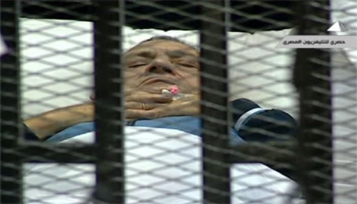 النيويورك تايمز: المصريون متخوفون من براءة مبارك