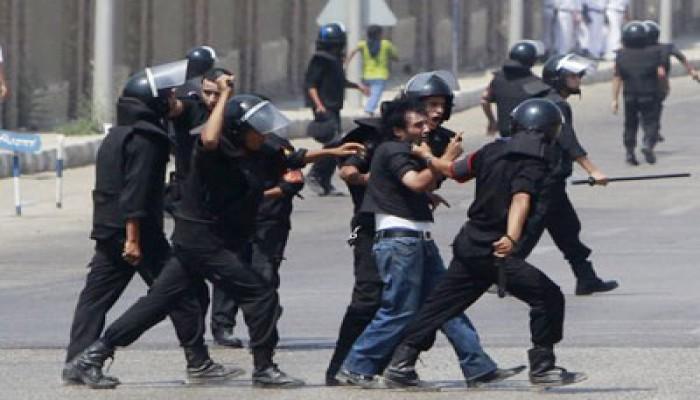 القبض على 22 في اشتباكات محاكمة الرئيس المخلوع