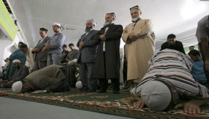 طاجيكستان تمنع الشباب من الصلاة في المساجد!