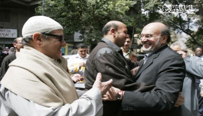 د. أسامة سليمان يصل إلى منزله بعد عامين من الظلم