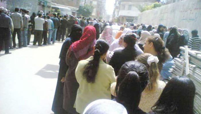 أهالي الإسكندرية يتصدون لفلول الحزب الوطني